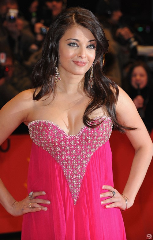 Aishwarya Rai, at the Berlin's premiere of Pink Panther 2, is still in 2009