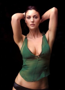 Monica_Bellucci_in_green