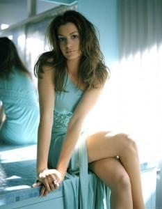Anne_Hathaway
